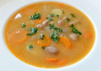 Fazuľová polievka / Zupa fasolowa