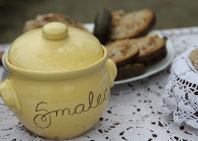 Majoránková bravčová masť s cibuľou / Smalec majerankowy z cebulą